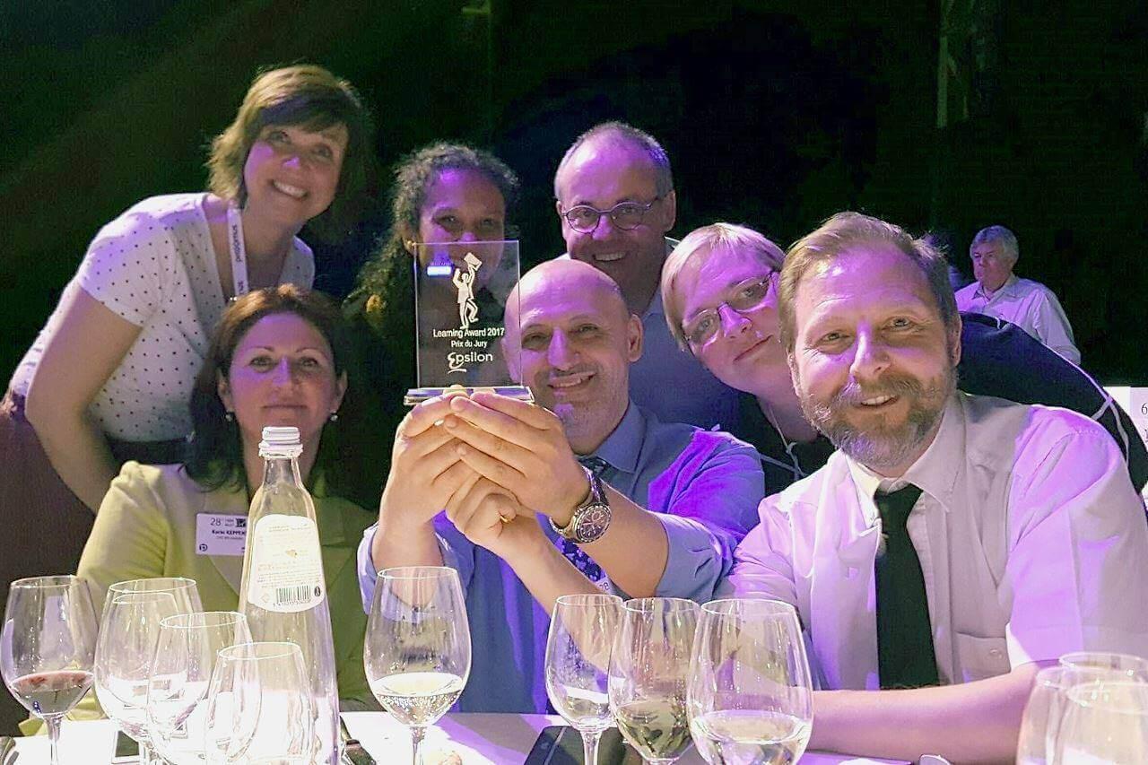 Het dreamteam met de Epsilon Learning Award 2017 - Prijs van de jury